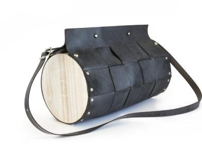 Bolsos de madera Bolso de piel y madera Redondo Negro Cembra con listones trenzados