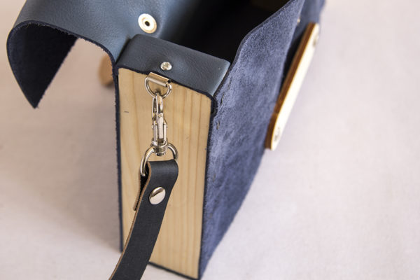 Bolsos de madera Bolso de piel y madera modelo Glabra azul