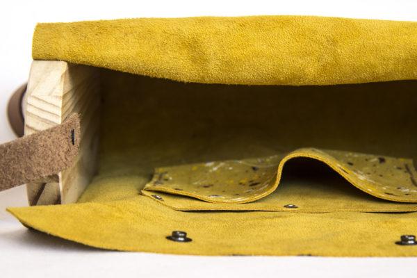 Bolsos de madera Bolso de piel y madera modelo Castanea mostaza