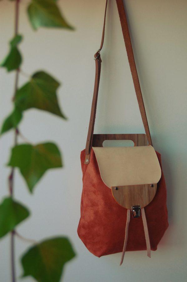 Bolsos de madera Bolso de tela y madera modelo Petate color terracota