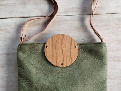 Bolsos de madera Bolso de tela y madera modelo Albura Verde Musgo